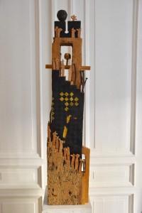 Erik Flygenring - Tower 99, bemalet eg fra 1700 tallet og nutidige Gemytter. foto: Mireille Flygenring Basset