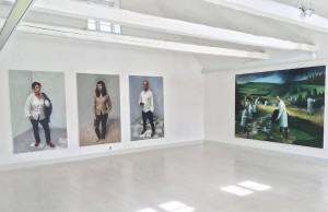 View med helfirgurs portrætter af Lone Hørslev og Morten Søndergaard
